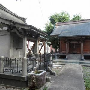湯沢清水神社(秋田県湯沢市)―参道が民家をぶち抜く神社