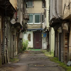 青森・第三新興街(1):風前の灯火のバラック街。