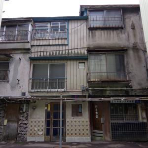 青森・第三新興街(2):漂う究極の場末感。