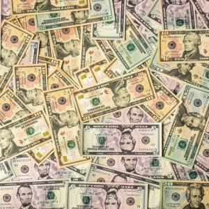 「1,000万円持っている人は、1万円持っている人の1,000倍のスピードでお金を儲けられる」斎藤一人