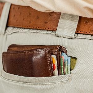 ミーンズワイルとMOONLOIDムーンロイドの薄くて小さい財布