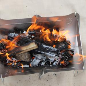 人気の焚き火台 「TABI 」の初火入れをレビュー