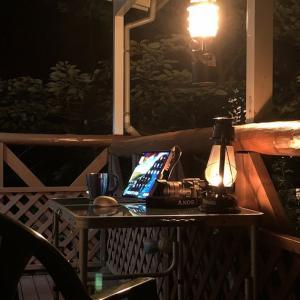 山小屋でのデスク環境