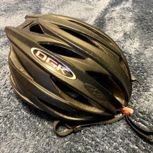 ロードバイク用ヘルメットを半分に割って切断面を見てみた