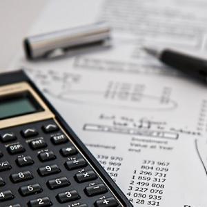 不動産投資ローンの金利はどれくらい?住宅ローンの違いは?