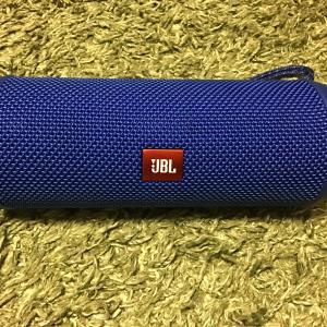 【キャンプでもおすすめ】bluetooth 防水 スピーカー 我が家で購入したJBL flip4 レビュー
