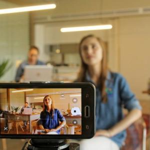 Zoom映えする写り方を取り入れてオンライン婚活で成功する方法 シリーズ1