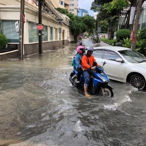タイの雨季の本気を感じる