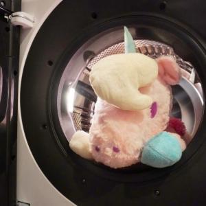 シャープのドラム式洗濯機SE-W112で巨大ぬいぐるみを洗ってみた