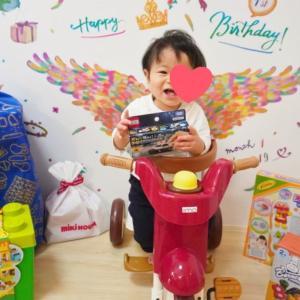 1歳の誕生日プレゼントおすすめ7選!男の子ママが選ぶ意外なおもちゃ