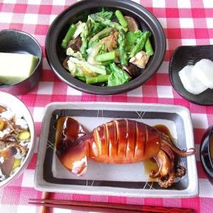 イカの姿煮と野菜の蒸し煮