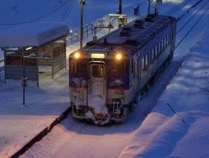 今から1年前---清水沢駅 一番列車---