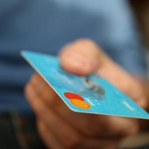 ポイ活で作ったクレジットカード/不要なら解約した方が良い理由