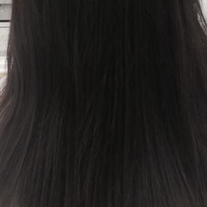髪を切りました