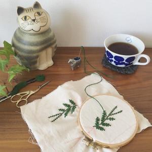 コーヒーと刺繍と
