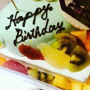 ちょっと残念なデザインケーキσ(^_^;)