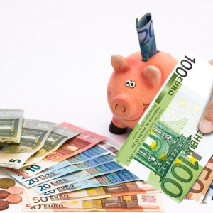 お金に使われる人の残念な特徴を5つ挙げてみました!
