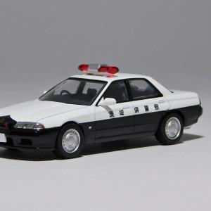TLV-NEO 1/64 ニッサンスカイライン 4ドアスポーツセダン パトロールカー(茨城県警察)
