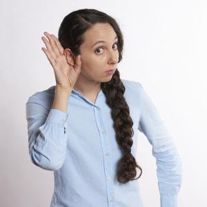 補聴器をしても健聴者になれない。中等度難聴の聞こえって?