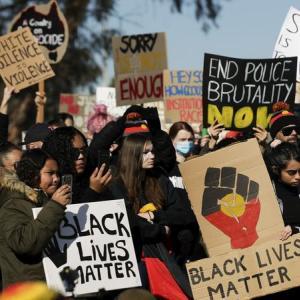 オーストラリア 抗議行動(PROTEST)実施