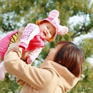 大切な人への出産祝いを選ぼう!女の子のベビー向けブランドはどこ?