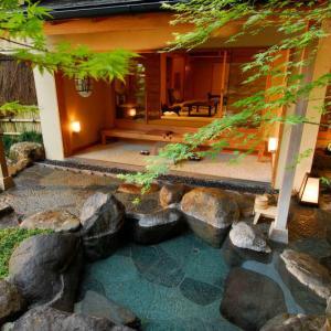 城野真樹のおすすめホテル!カップルにおすすめ『強羅花壇』