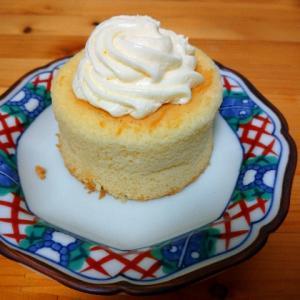 ローソンのミルクバター露ふわケーキ食べてみた【今日の資産】