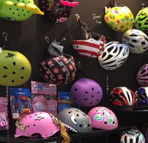 ランニングバイクや子供向け自転車用ヘルメットの種類をまとめ!選び方は?