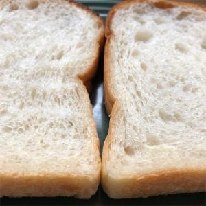 ●2つの高加水食パンと小麦の事