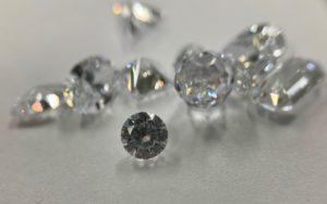 ムンバイはダイヤモンドなど宝石の街:日本のジュエリーも約8割インドで加工