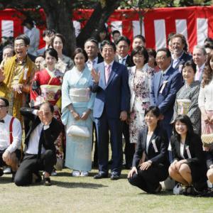 【小沢一郎】「桜を見る会」中止表明の菅新首相をチクリ