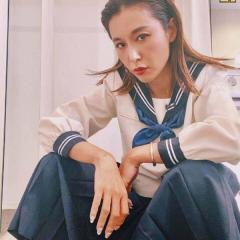 【セーラー服】鈴木紗里奈、セーラ服でのヤンキー座りが大不評「相変わらず下品」