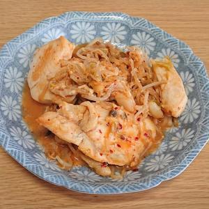 簡単ダイエット飯!鶏ともやしのキムチ炒め