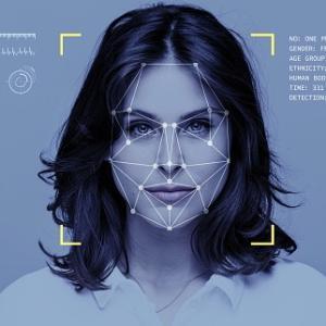 AIに好かれて、美人に嫌がられる顔