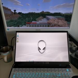 【デル アンバサダープログラム】ALIENWARE m17 R2 でマインクラフトをやってみた。