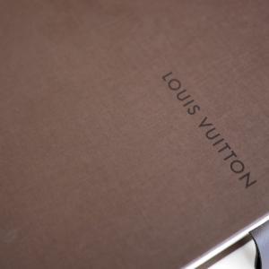 ルイ・ヴィトン本店で刻印サービス実演を見せてもらいました[パリ]