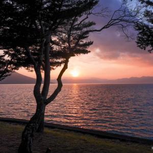 部屋から見た支笏湖の夕暮れ、一生忘れないレベルだった。レイクサイドヴィラ翠明閣[宿泊記]