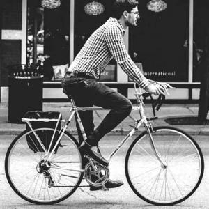 アステリア(3853) イギリス子会社が自転車購入手当支給