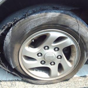 梅雨シーズンはスリップ事故に注意!JAF岡山支部からタイヤ点検の呼びかけ