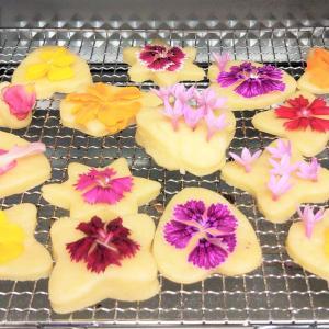 感謝のクッキー、花に囲まれ花を食す!