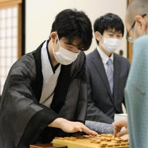 【歴史的快挙!】藤井聡太七段が棋聖戦勝利で最年少タイトル獲得!