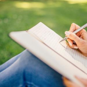 医学系論文に挑戦!論文を書くために、まず初めに読む2冊