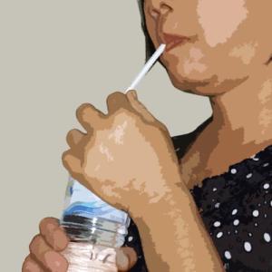 タイ人はなぜあらゆる飲み物をストローで飲むのか
