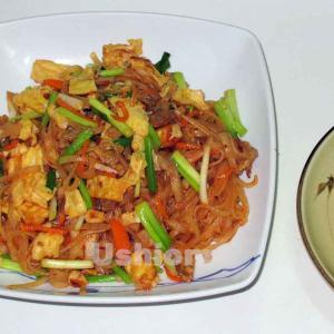 《タイの食材》チューブ豆腐と甘い沢庵