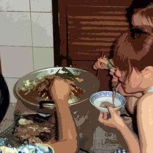 《ムー ガタ》タイ風ジンギスカンで焼き肉食べ放題