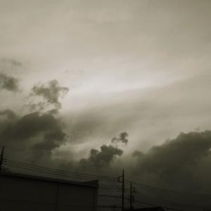雨雲の先頭がやってきた