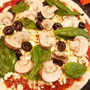 そこまでしてチーズ喰いたいかっ?!人間の欲望に感服しその成果を享受した結果、ピザ美味ぇぇええ!!