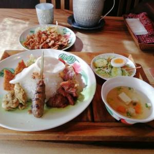 本格的なアジアン系のお料理を味わえる。熱帯食堂、大阪