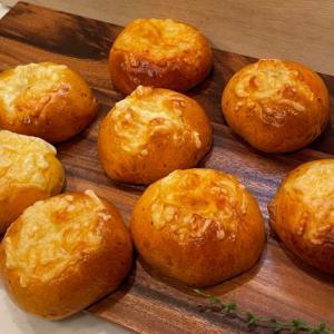 絶品バーガー風なミートソースととろけるチーズパン