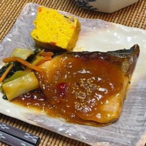 肉厚で甘みの強いブリを味わい深いソースで楽しむブリの照り焼き